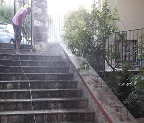 Καθάρισμα-κλάδεμα-αποκομιδή σκουπιδιών  της  Εκκλησίας Παναγιάς και Κεντρικής Πλατείας Καστανιάς (10-14 Αυγ 2017) από μέλη του Συλλόγου