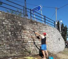 Καθαρισμός εισόδου Καστανιάς. Κόψιμο δένδρων, κλάδεμα, φύτεμα λουλουδιών στον Άη-Λιά από εθελοντές του Συλλόγου (10-20 Ιουλ)